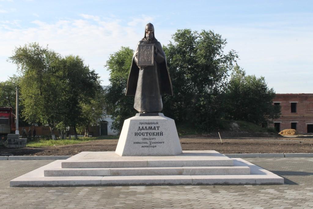 В Далматово был открыт памятник преподобному Далмату Исетскому