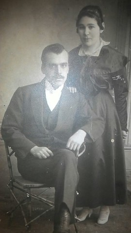 Андрей Павлович Гедеонов с женой Юлией Александровной (Дыхне), дочерью макарьевского волостного писаря.